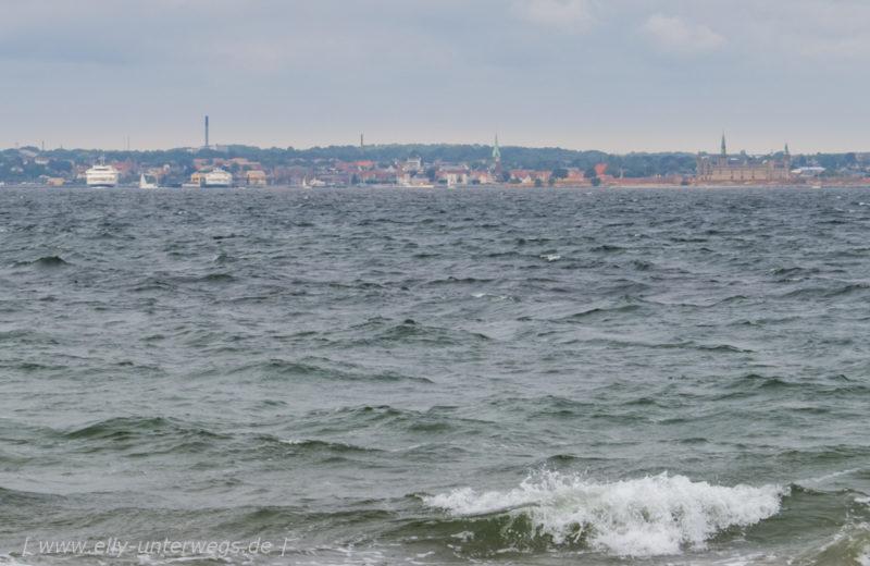 Blick rüber zur dänische Küste, das Schloss rechts im Bild ist das Kronborg Slot